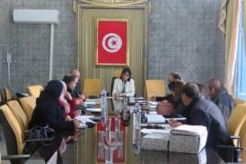اجتماع اللجنة الجهوية لمتابعة العقارات الدولية الفلاحية بولاية منوبة.